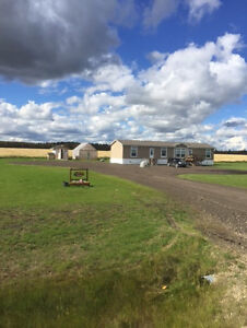 2013 Mobile Home on 5 Acres 7 Minutes from Drayton Valley, AB
