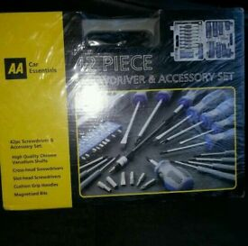 SCREWDRIVER SET BRAND NEW