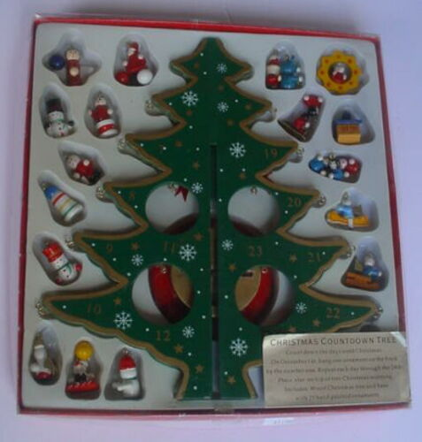 2002 Wooden CHRISTMAS COUNTDOWN TREE ADVENT + 29 Hand Painted WOOD ORNAMENTS box