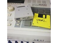 Akai MPC 2000 w/ USB Port Mod, 8 outs, 32MB Ram UPGRADED