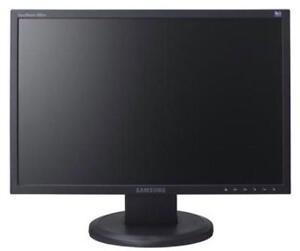 """Samsung 19"""" Monitor - GREAT DEAL! - $40 West Island Greater Montréal image 1"""