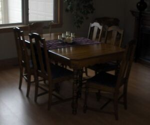 Antique  Dining Table - Chairs