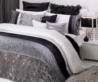 Queen size bed quilt cover - BRAND NEW Butler Wanneroo Area Preview
