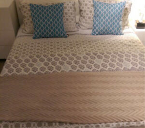Queen Bed LUXURY PILLOWTOP MATTRESS+ Base+DELIVERY Cammeray North Sydney Area Preview