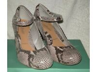"Clarks Snakeskin ""Deva Dolly"" Leather shoes size 7/40E - BRAND NEW"