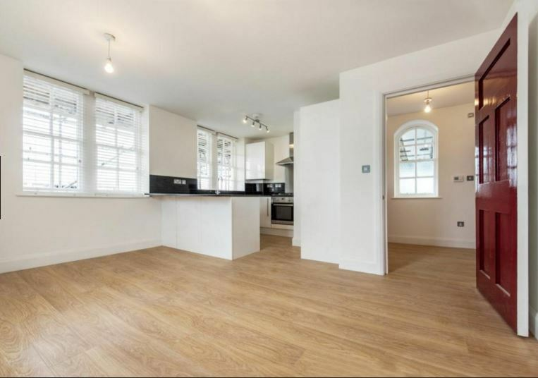 Stunning 1 bed flat in Oval/ Stockwell available soon!