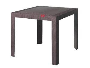 Tavolo da giardino in resina effetto rattan per bar locali for Arredo bar esterno