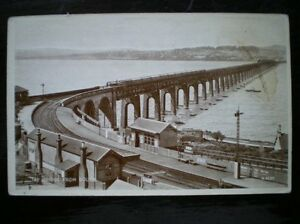 POSTCARD-RP-PERTHSHIRE-TAY-BRIDGE-FROM-SOUTH-SHOWING-STATION-TRAIN