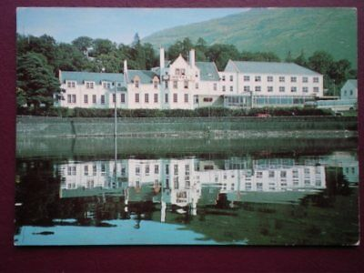 POSTCARD DUNBARTONSHIRE ARROCHAR HOTEL - REFLECTION IN THE WATER