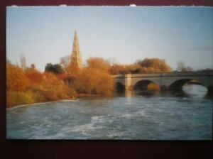 POSTCARD-BUCKINGHAMSHIRE-OLNEY-CHURCH-THE-RIVER-OUSE