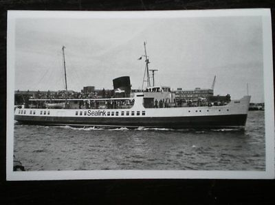 PHOTO  SEALINK FERRY 'SOUTHSEA' AT RYDE 26/6/77