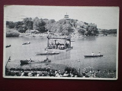 POSTCARD YORKSHIRE SCARBOROUGH - PEASHOLM PARK - PEOPLE IN BOATS