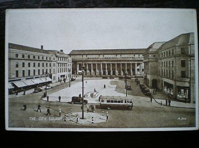 POSTCARD RP ANGUS DUNDEE - THE CITY SQUARE - OLD BUS IN FOREGROUND