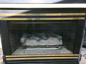 ~1995 Direct Vent Majco Gas Fireplace with All Parts