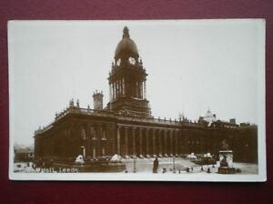 POSTCARD-RP-YORKSHIRE-THE-TOWN-HALL-LEEDS