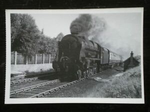 POSTCARD-A-ROYAL-SCOT-CLASS-LOCO-NO-46152-THE-KINS-DRAGOON-GUARDSMAN-AT-STYAL