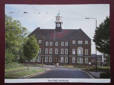 POSTCARD HERTFORDSHIRE LETCHWORTH - THE TOWN HALL