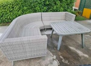 Outdoor Wicker Lounge Setting CAN DELIVER PRICE NEGOTIABLE