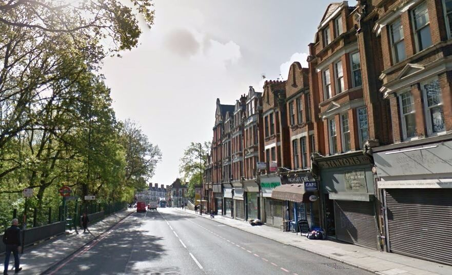 AVAILABLE NOW!! Modern 1 bedroom 1st floor flat to rent on Archway Road, Highgate, N6 5AA