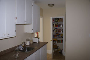 All inclusive! Near transit, laundry and parking on site Peterborough Peterborough Area image 6