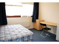 FANTASTIC CHEAP DOUBLE ROOM IN ZONE 2!!! ONLY 75 £ PER PERSON -- COUPLES OK !!