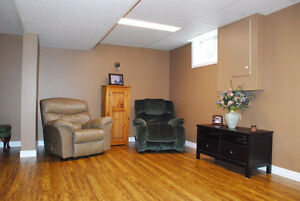 LOOKING FOR A GREAT FAMILY HOME IN CORUNNA? Sarnia Sarnia Area image 2
