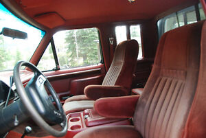 1987 Ford F-150 Lariat Pickup Extcab 4x4 with canopy