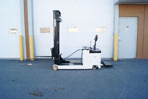 Forklift,chariot elevateur,walkyreach,ELECTRIC STACKER  CDD15 Kingston Kingston Area image 1