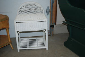 White wicker table with drawer