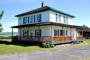Magnifique maison style fermette à 55 minutes de Québec