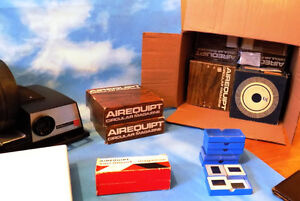 AEROEQUIP 35 MM SLIDE PROJECTOR WITH ACCESSORIES