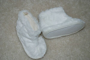 Shoes size 6-12 months