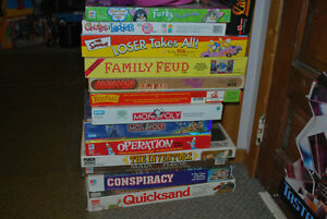 Games Night??? OVER 40 VINTAGE BOARDGAMES AVAILABLE!