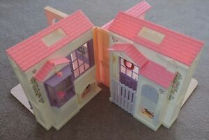 Folding Barbie doll house