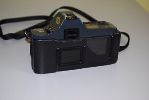 Canon T70 35mm SLR Film Camera with 50mm Canon Lens Kitchener / Waterloo Kitchener Area image 2