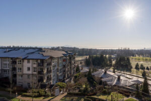 Outstanding 2 bed/ 2 bath Penthouse In Coquitlam