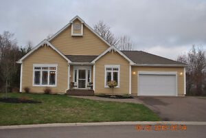 Dieppe - Nice Bungalow on Dead End street with private backyard!