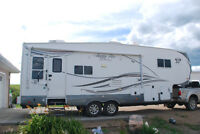 Arctic Fox 29.5T Silver Fox 5th Wheel