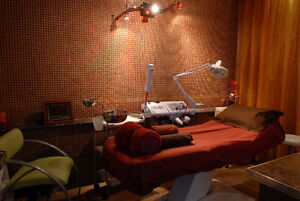 Massage room for hourly rent