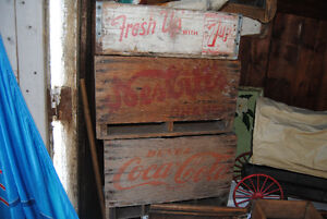 Caisses de bois wood cola cases Antiques vintage