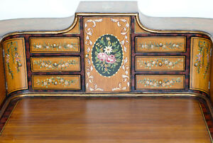 Early 20th century Carlton House Writing Desk with chair (2) Gatineau Ottawa / Gatineau Area image 5