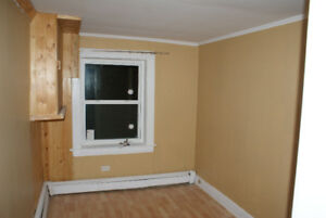 Two B/R Apt $ 600.00 heated at east Side