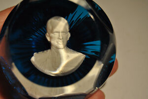 BACCARAT France Paperweight