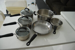Selling KitchenAid Pots and Pans 6-piece kitchen set, cookware