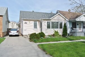 JUST LISTED! CUTE EASTSIDE BUNGALOW W/ BEAUTIFUL KITCHEN & BATH!