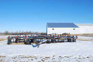 35' Flexicoil 820 Cultivator