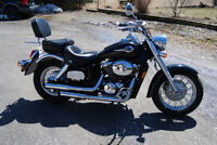 VT750 CLASSIC MINT CONDITION ONE OWNER
