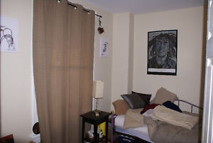 All inclusive! Near transit, laundry and parking on site Peterborough Peterborough Area image 4