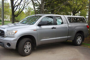 2009 Toyota Tundra light grey Pickup Truck