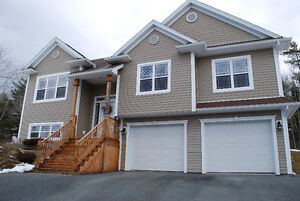 ---SEE OUR PAGE ON FACEBOOK---38 HALIBURTON CRES---